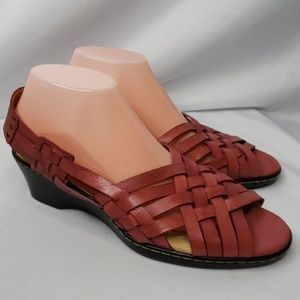 Softspots Leather Sandals Light Red Size 9½.